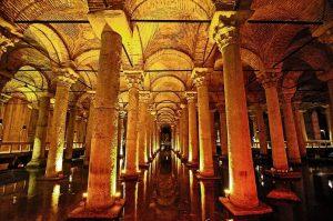 Cisterna Jerabatan (Basiliková cisterna), Istanbul, Turecko