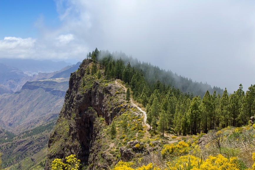 Hiking na Gran Canaria Z Artenara cestou nad centrálním kráterem do Cruz de Tejeda