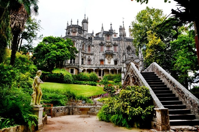 Palác Quinta da Regaleira v Sintra, Portugalsko