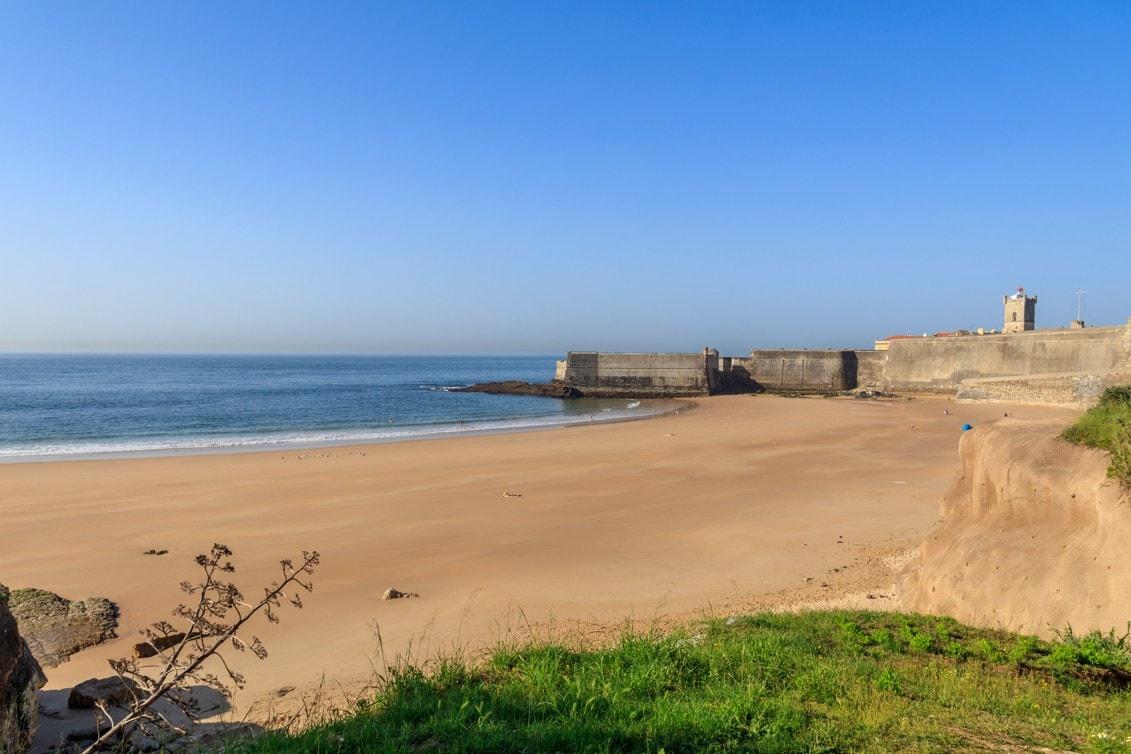 Praia-da-Carcavelos-Portugalsko