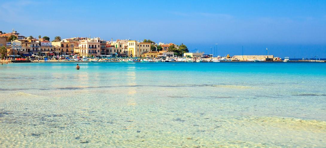beach at Mondello, Sicílie