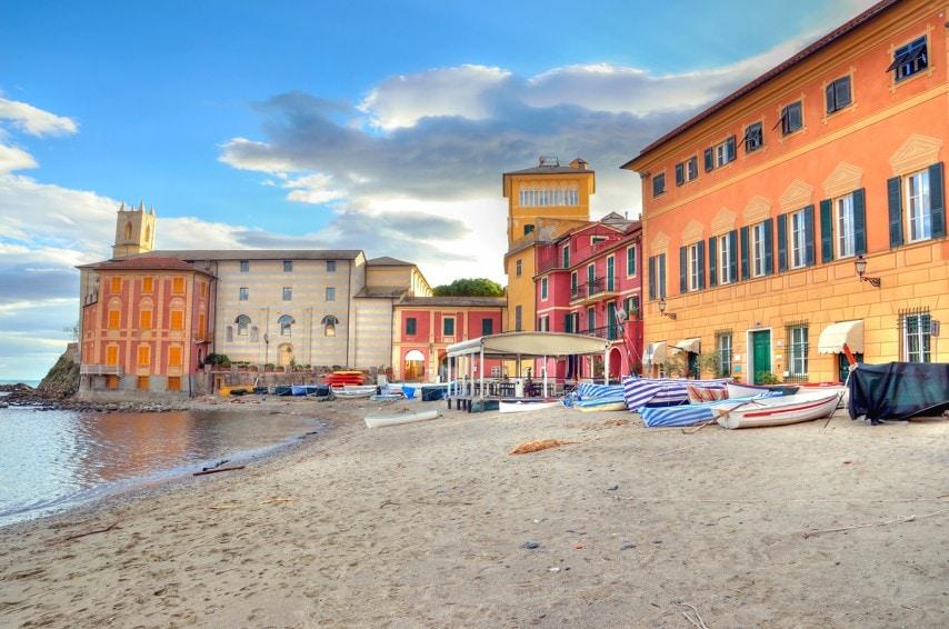 Baia del Silenzio, Itálie