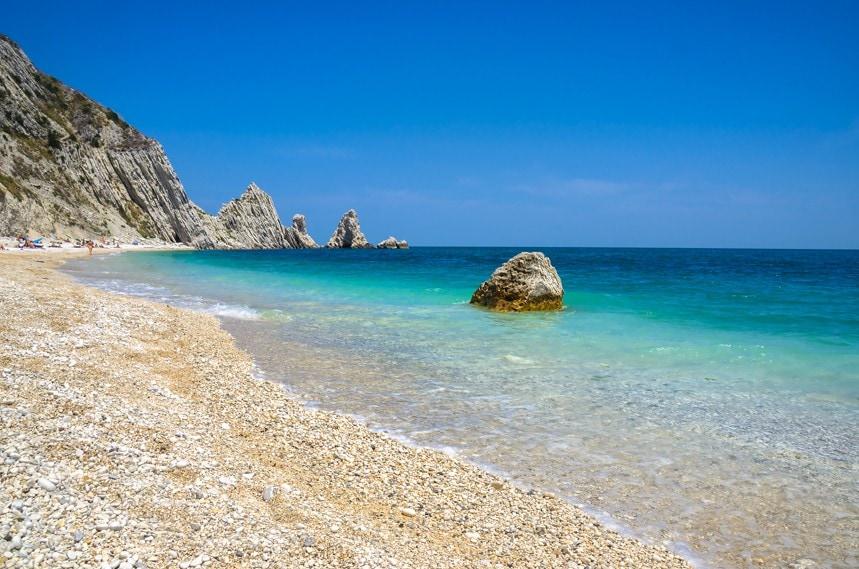 Spiaggia delle Due Sorelle, Itálie